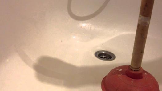 deboucher une douche sans ventouse