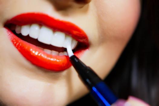 maquillage dent