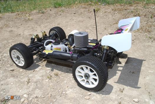 voiture télécommandée essence
